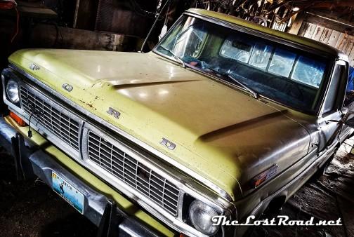 1970 Ford Custom 250 pickup camper special - hood1LR